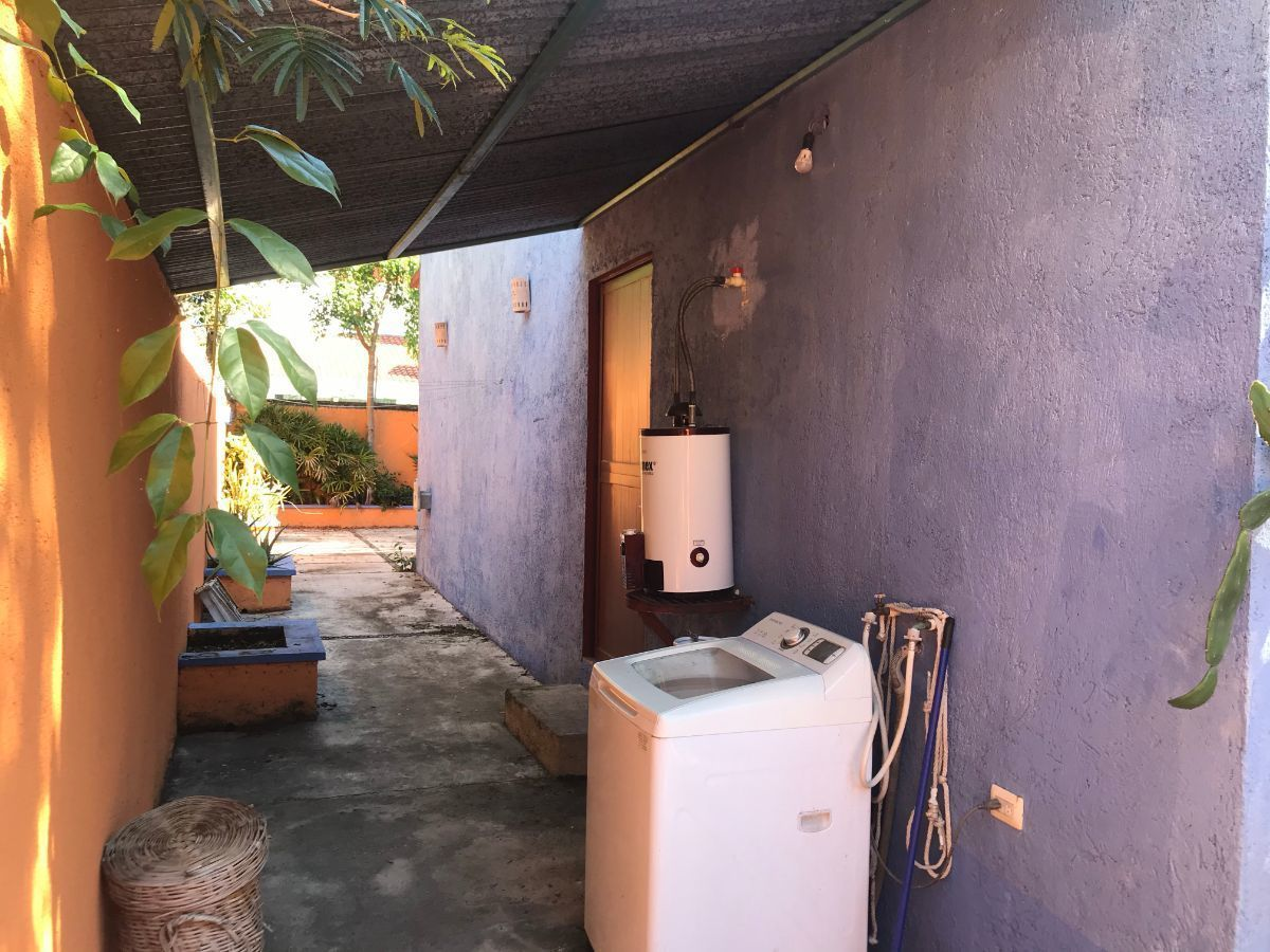 17 of 20: area de lavado con protección de lluvia