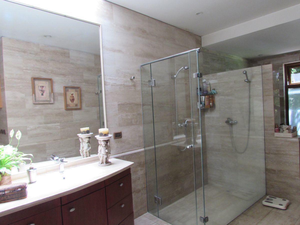 11 de 24: Baño suite principal
