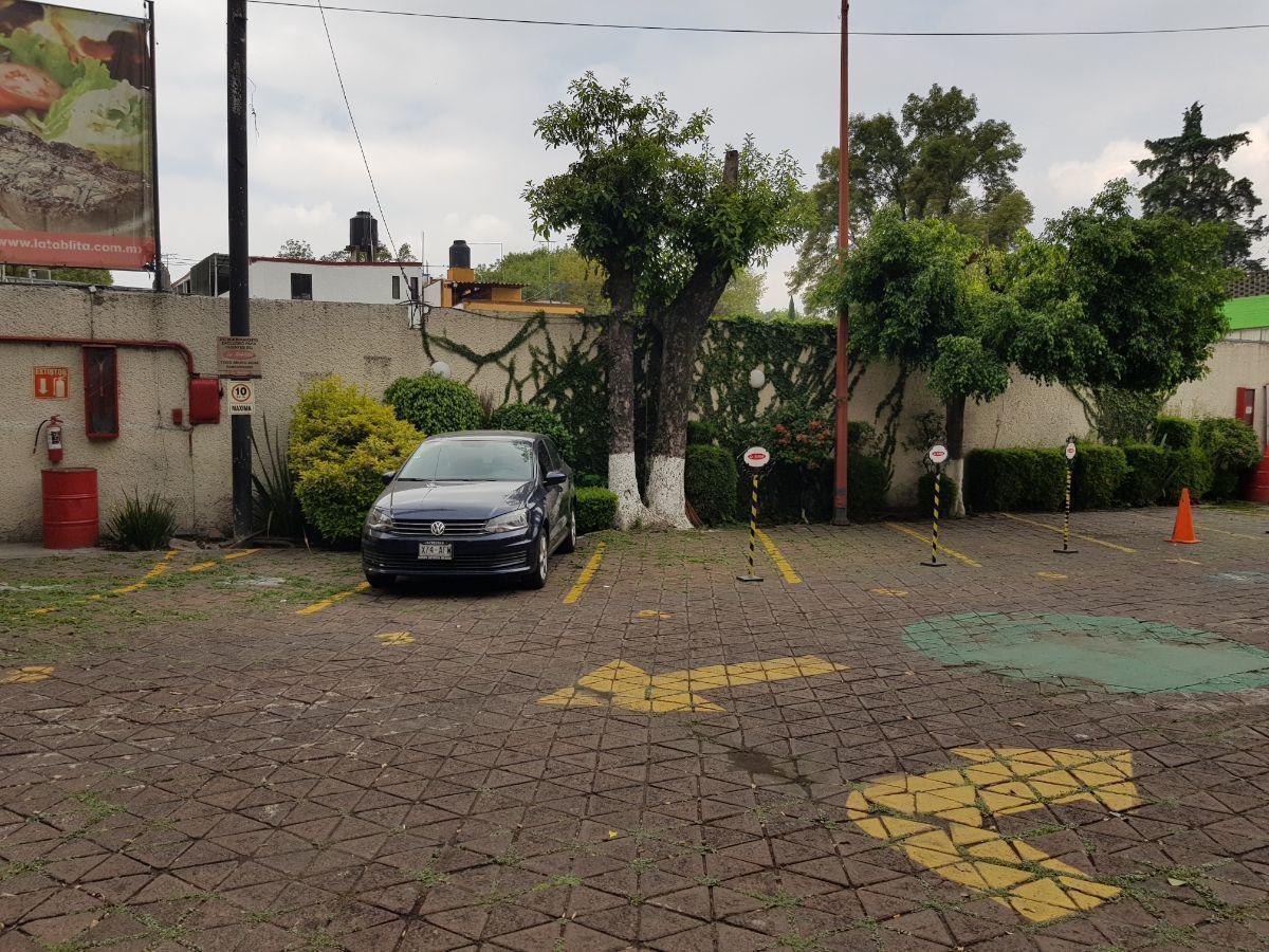 5 de 6: Terreno, actualmente se usa como estacionamiento.