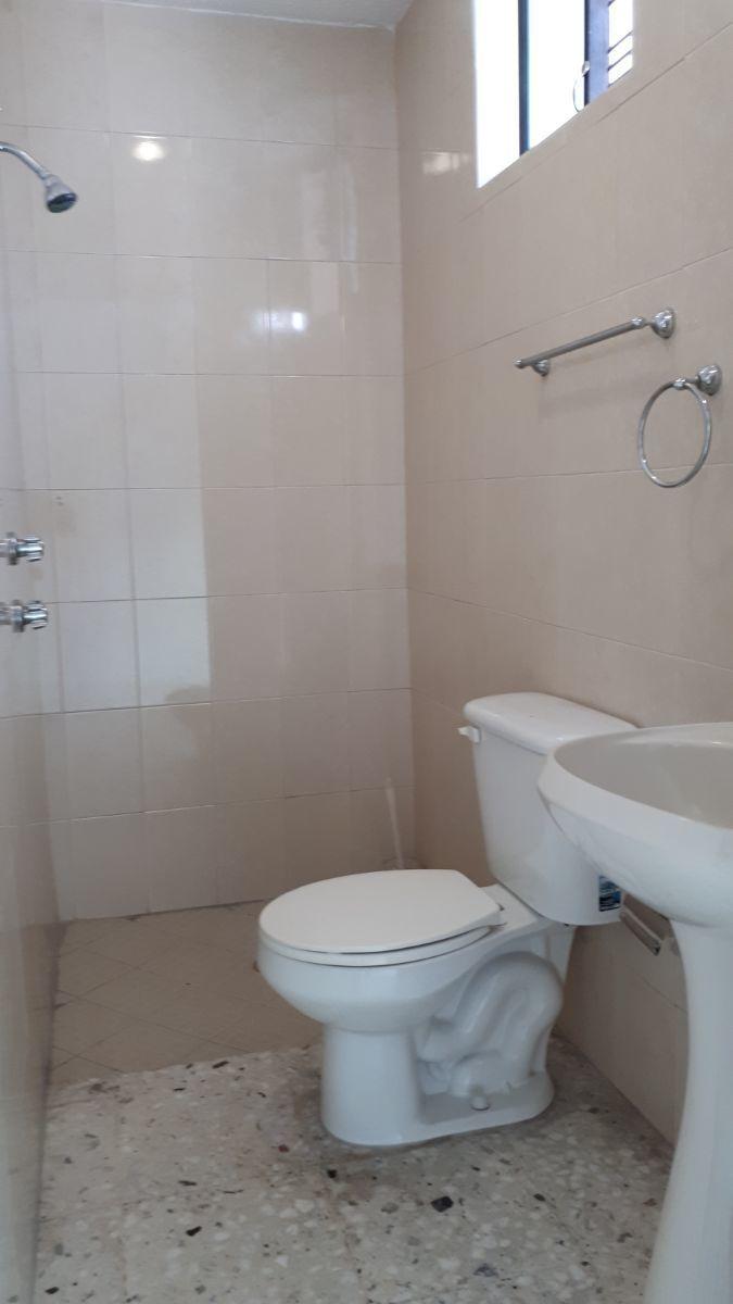 12 de 13: baño completo en pb