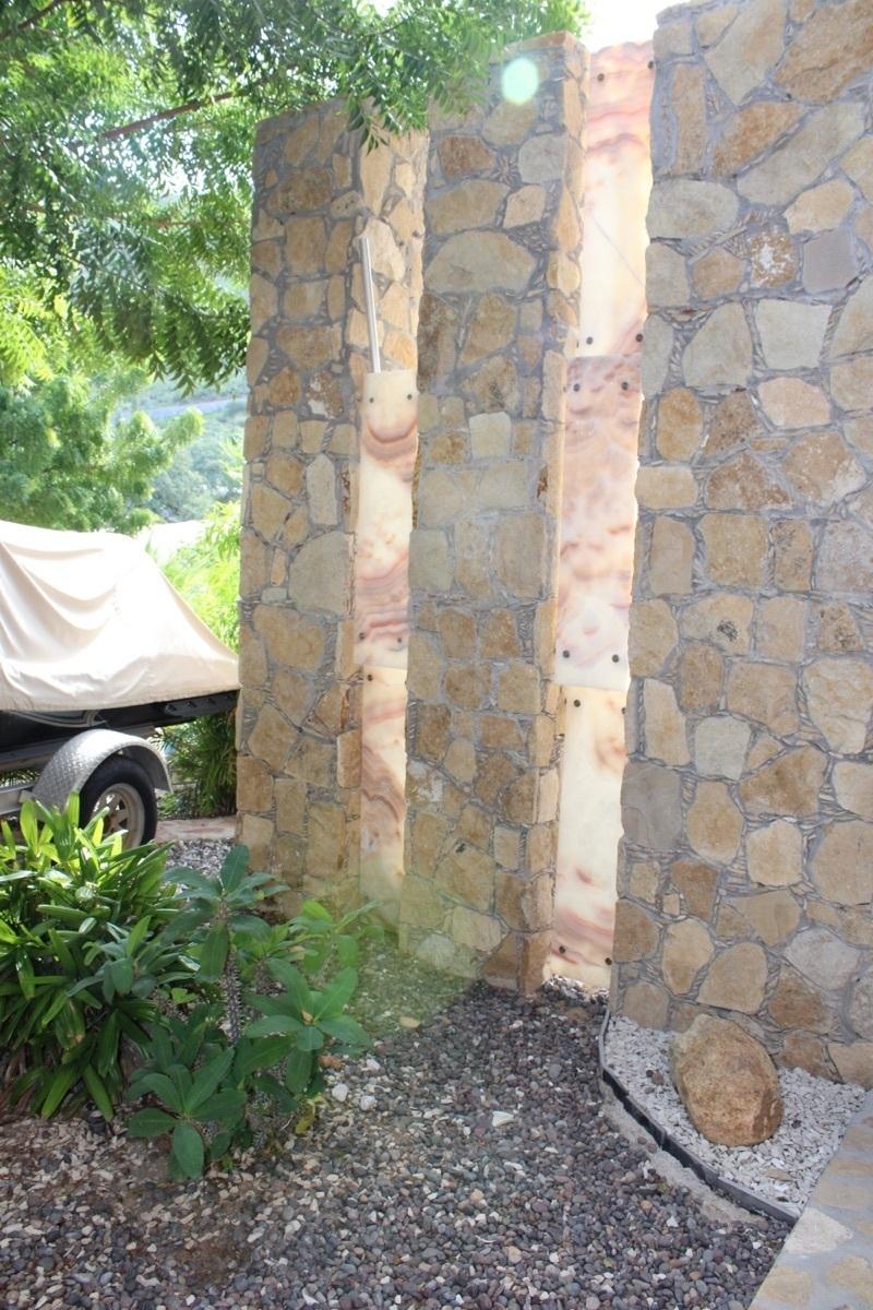 27 de 28: Lime stone finishings