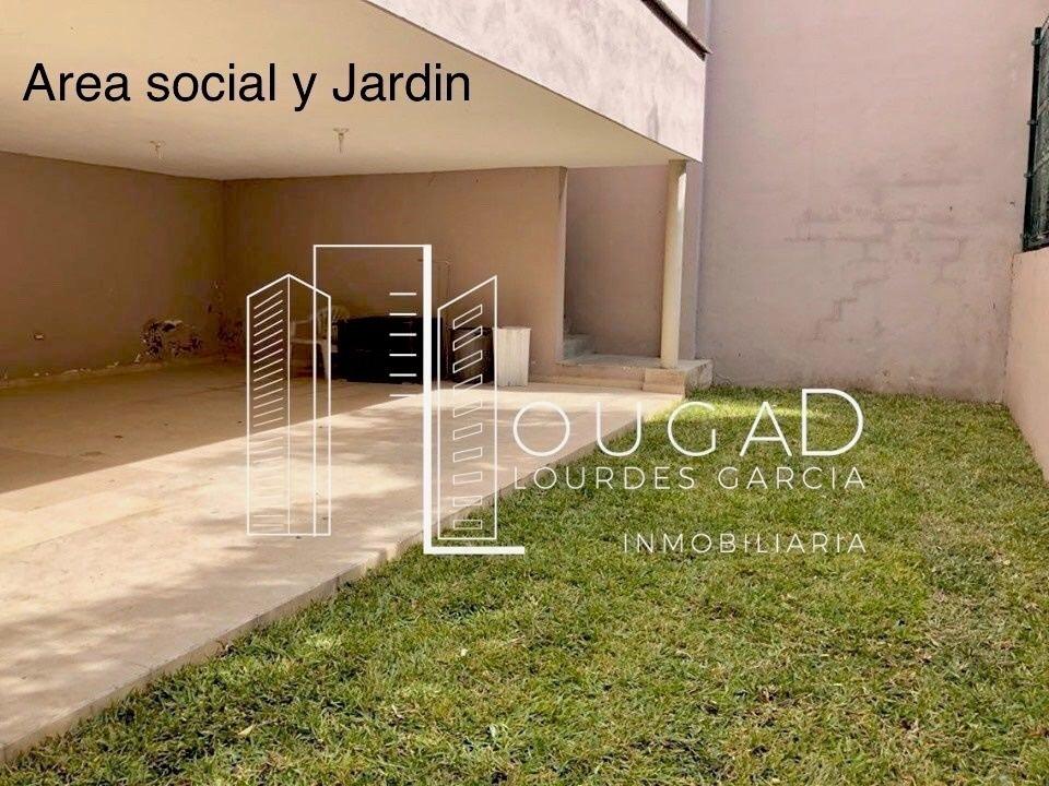 22 de 25: Area Social y Jardin