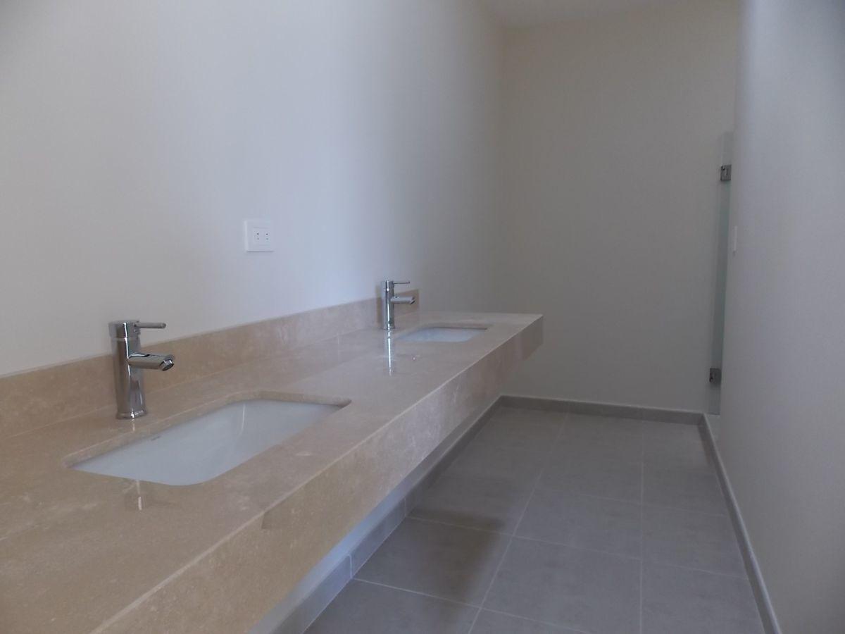 7 de 15: Baño principal