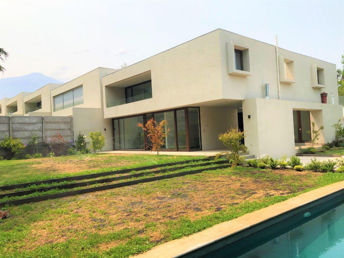 1 de 12: Vista casa desde piscina