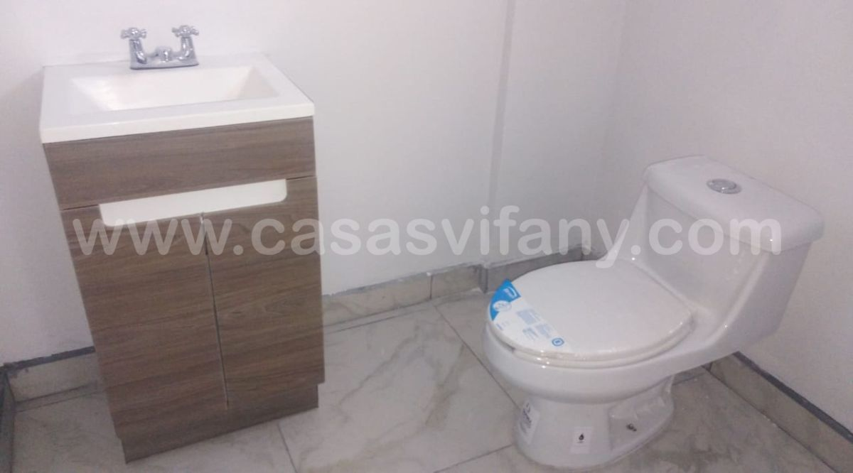 4 de 31: Medio baño planta baja, Mexicali, Casas Vifany