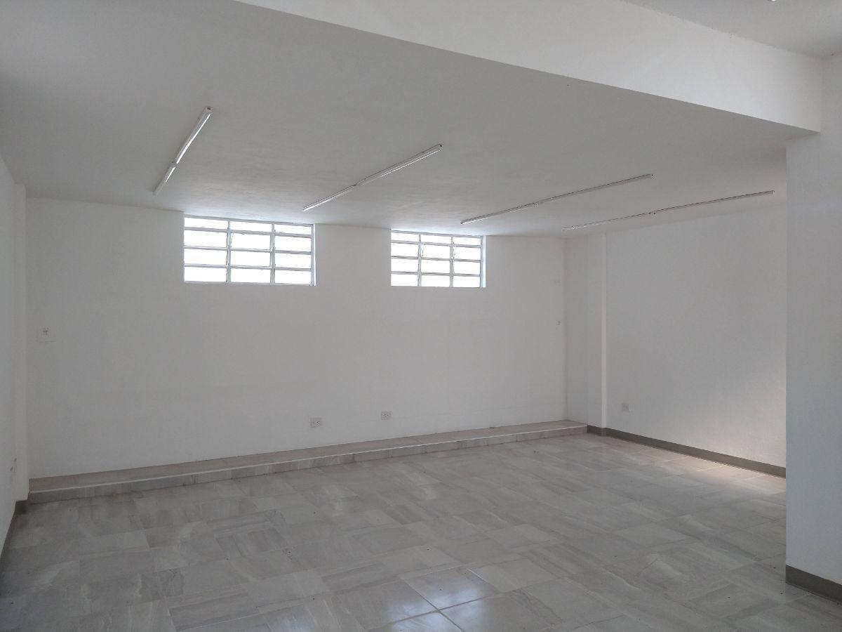 2 de 18: Area de oficinas