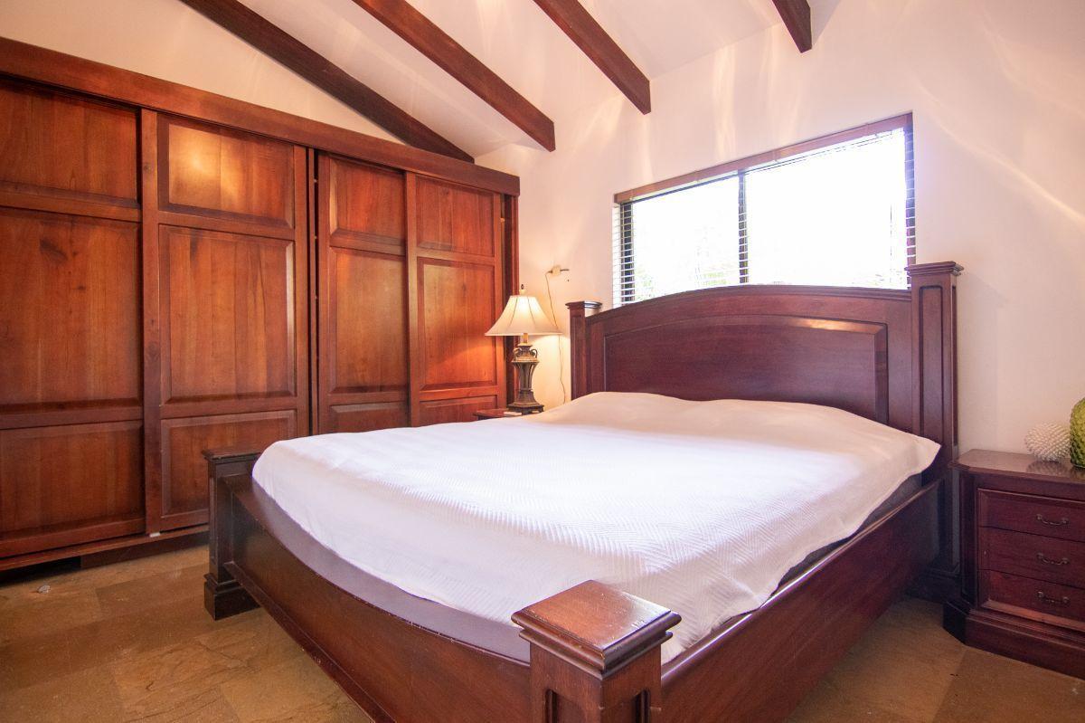 12 of 20: 2nd bedroom