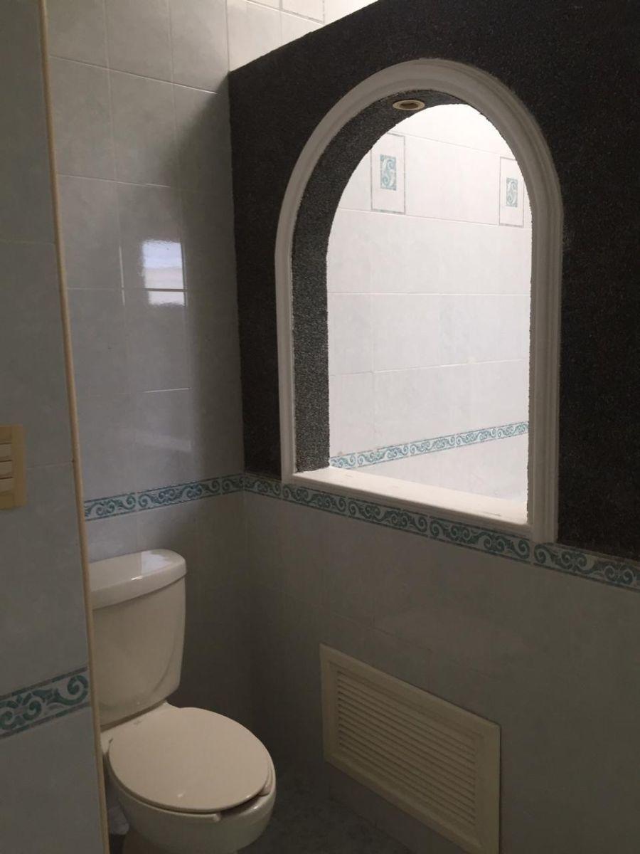 18 de 29: Baño principal