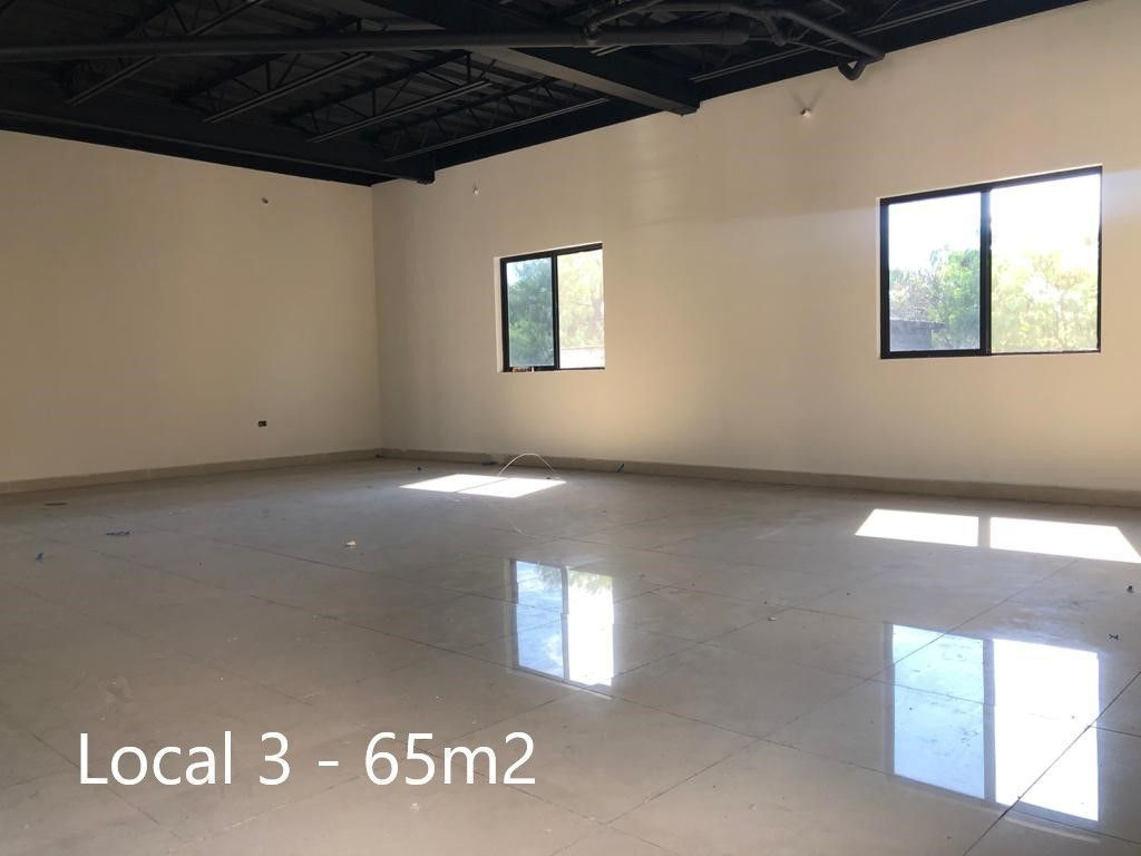 7 de 16: Interior Local 3 - 65m2