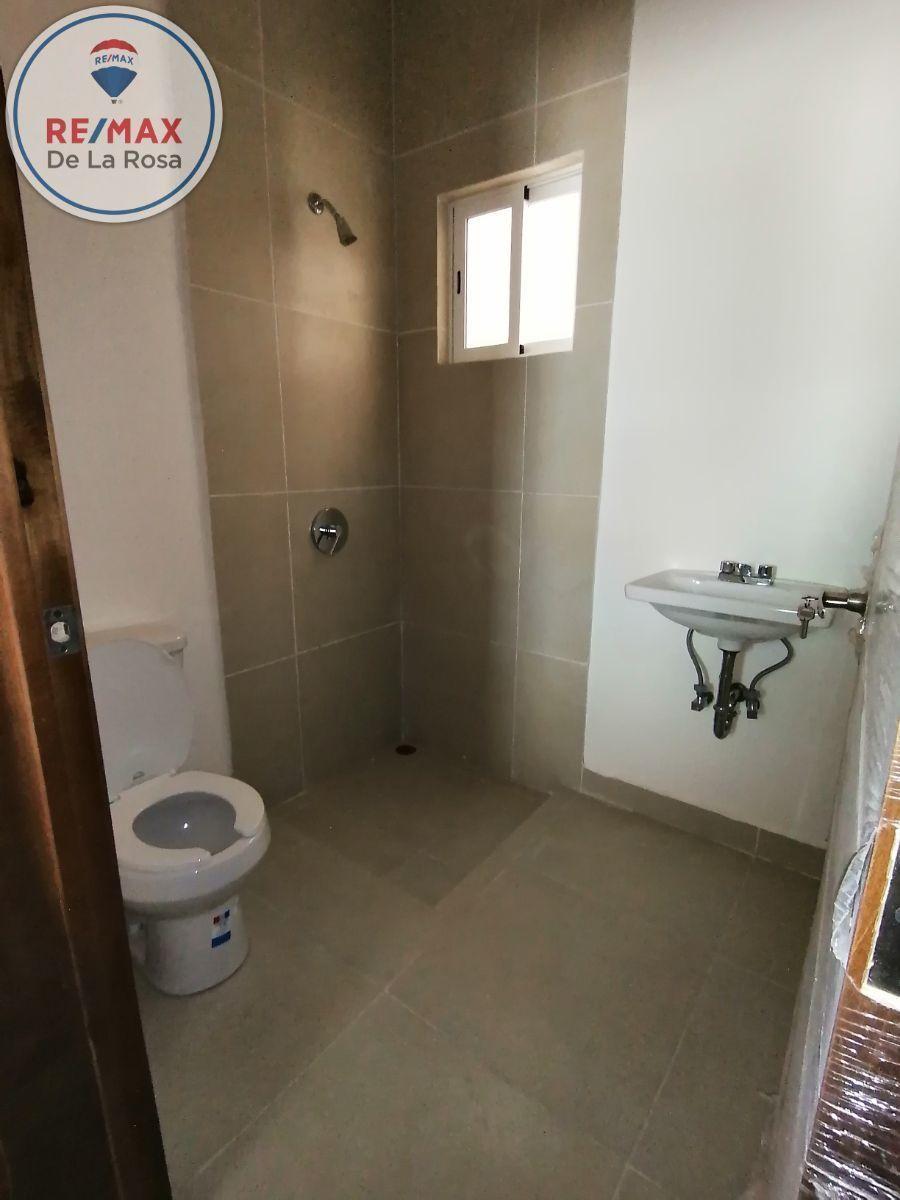 18 de 40: baño de cuarto de servicio