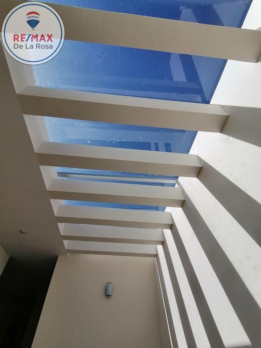21 de 40: domo  de escaleras de vidrio templado