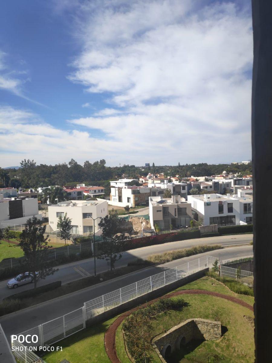 18 de 48: Vista desde la terraza, área recamaras.