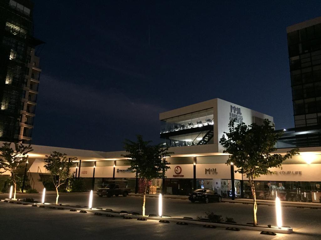 5 de 5: Plaza comercial