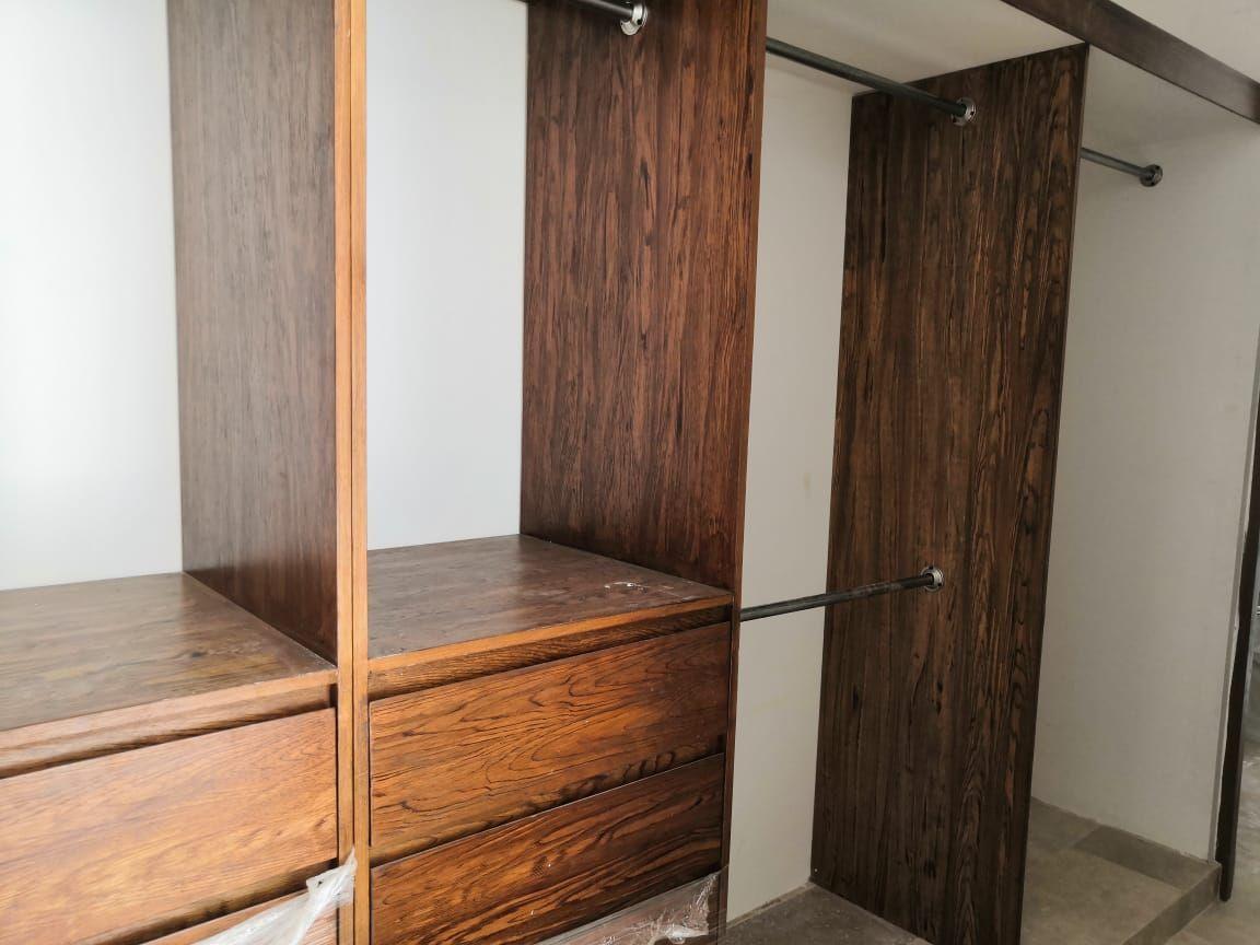 11 de 26: Closet Vestidor Recamara Principal