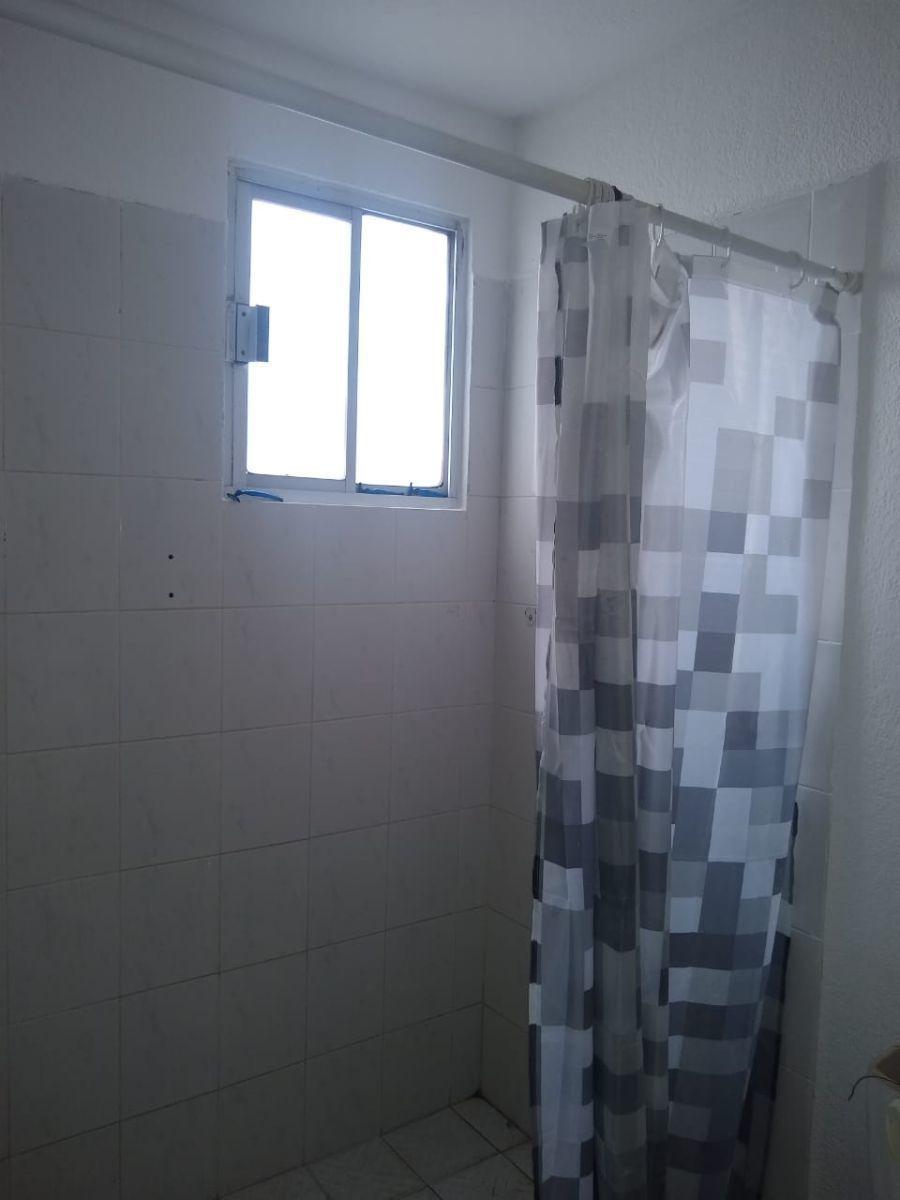 6 de 26: Regadera baño