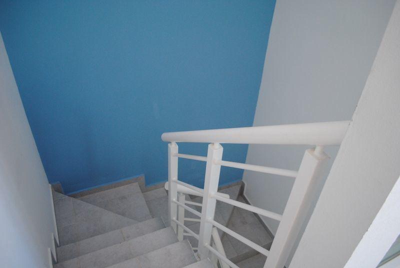 18 de 30: escaleras para acceso a la azotea