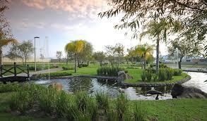 2 de 18: Bellos jardines