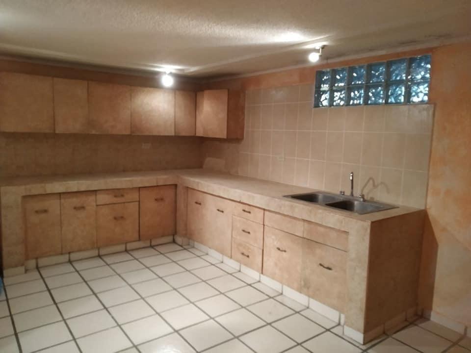 5 de 5: Area de cocina.