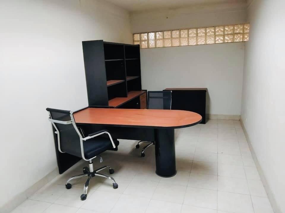 4 de 4: Privado con mobiliario incluido