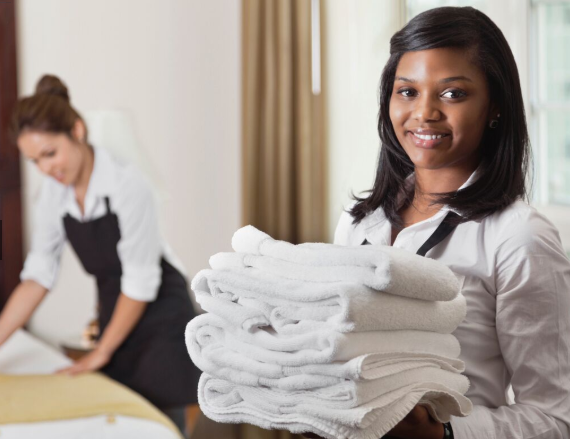 18 de 50: Servicio de House-Keeping y Room Service disponible.