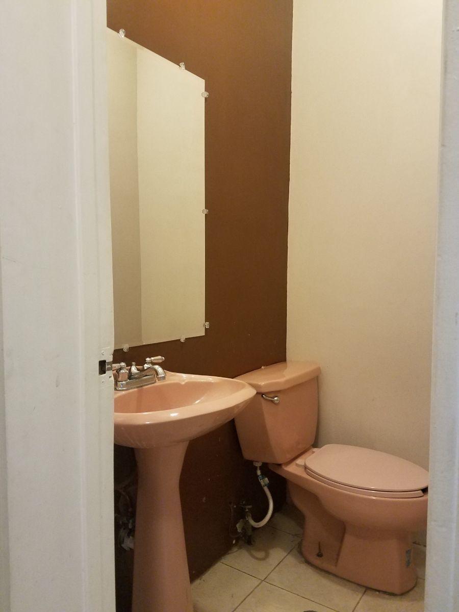 11 de 26: Medio baño planta baja