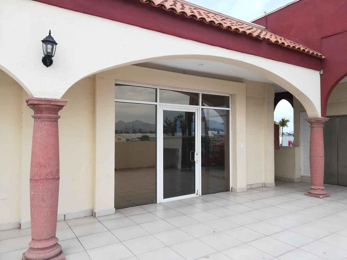 2 de 7: Exteriorde Local 24 en Plaza Las Terrazas