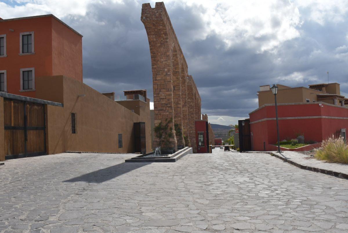 36 de 36: ENTRADA AL FRACCIONAMIENTO EL MILAGRO