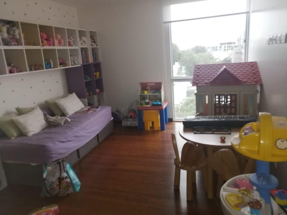 28 de 41: Dormitorio secundario con vista al parque más grande zona