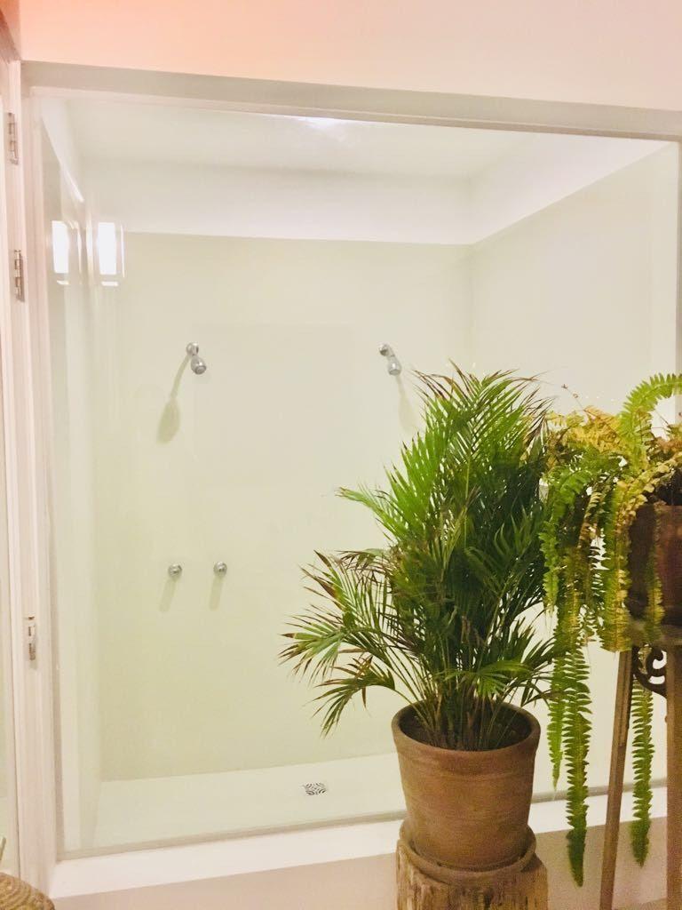 27 de 29: Baño principal con ducha doble