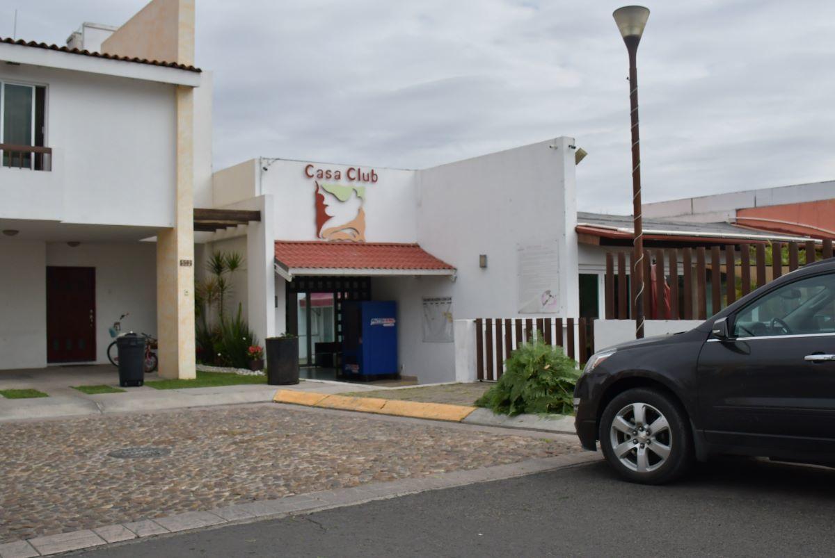 1 de 24: ENTRADA CASA CLUB