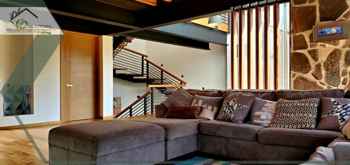 7 de 35: Sala TV, mismo nivel comedor, cocina, terraza