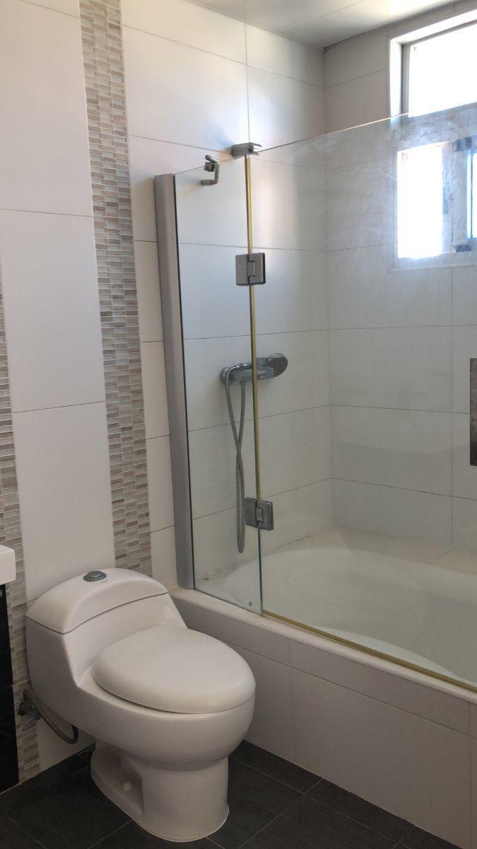 9 de 17: Cabina de ducha Habitacion Principal