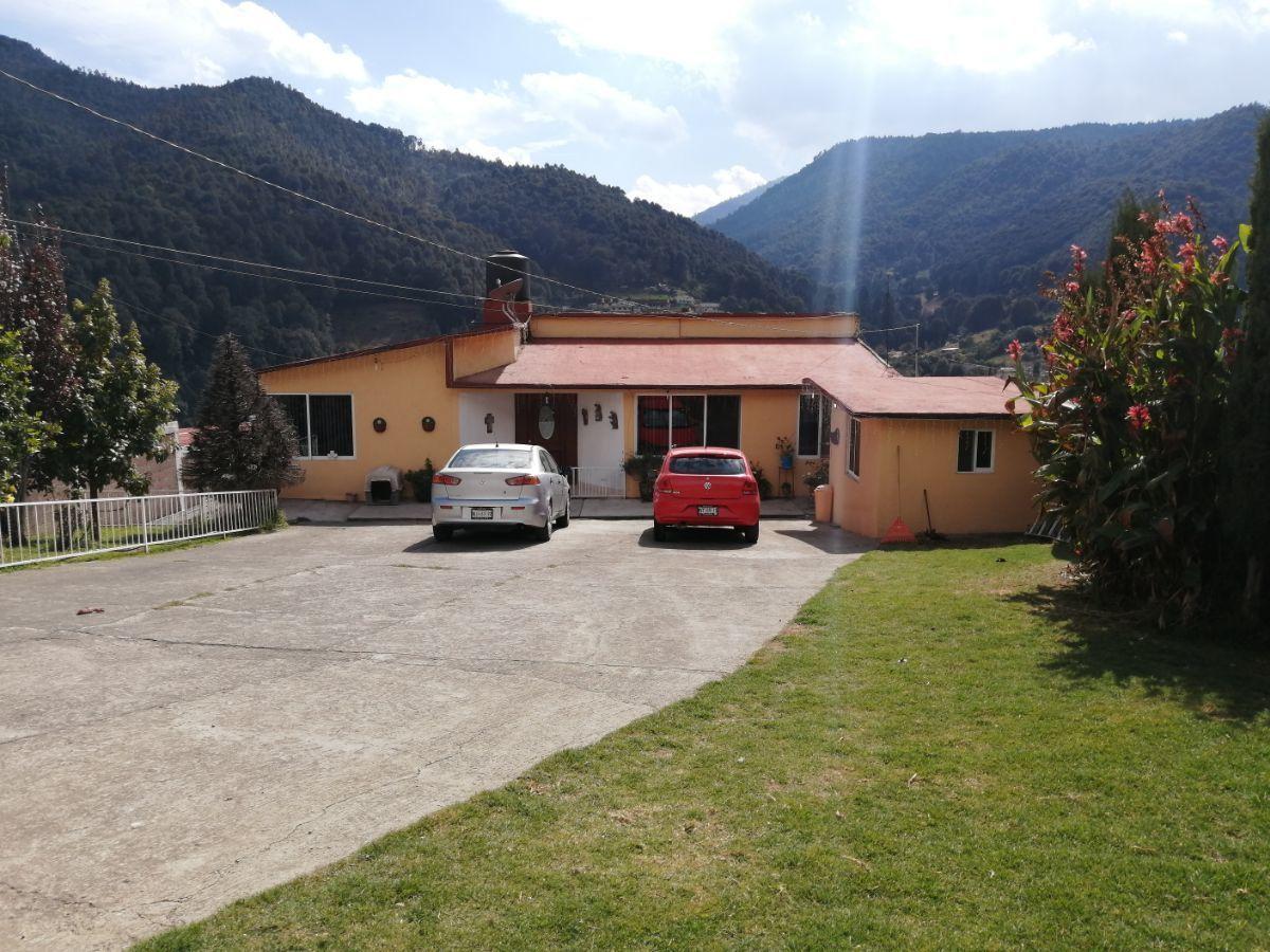 1 de 28: Vista frontal de la casa