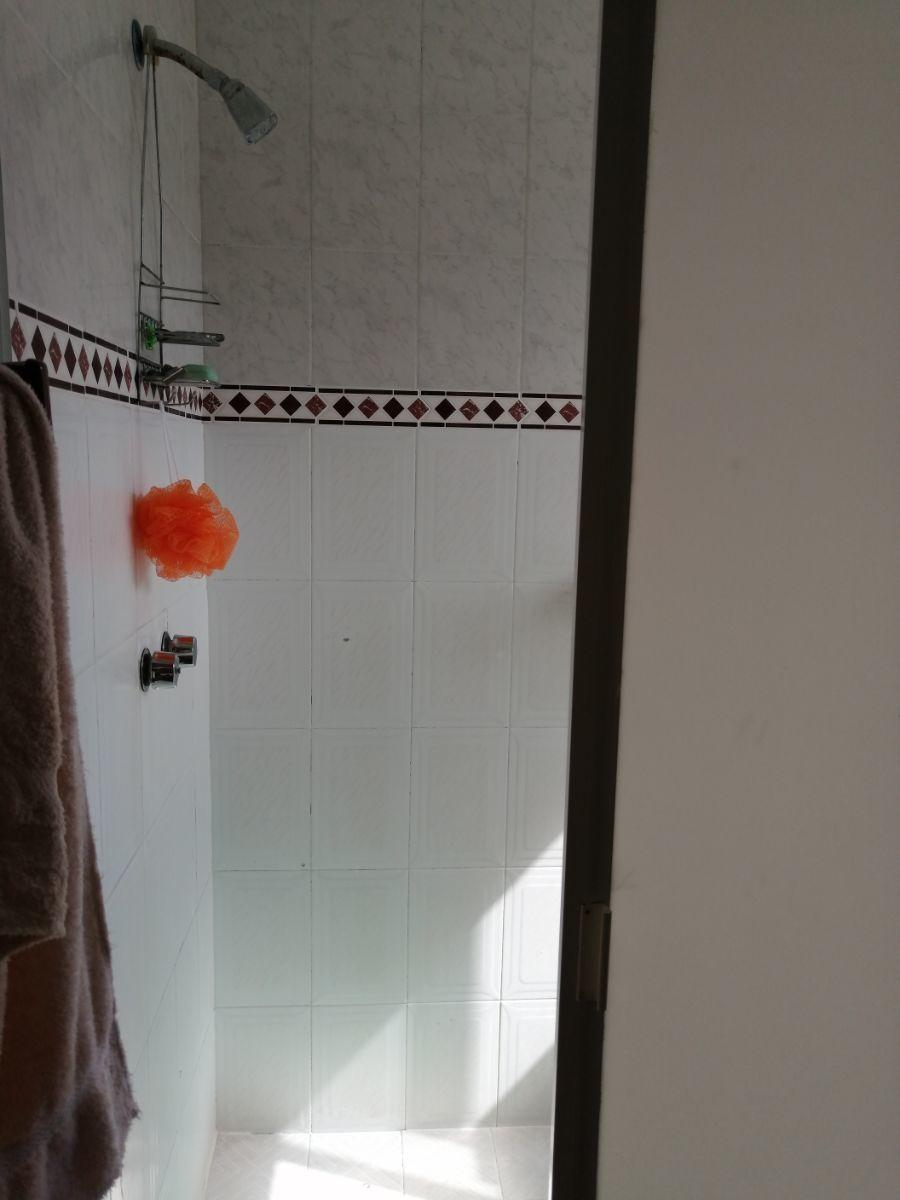 13 de 28: Baño recamara principal
