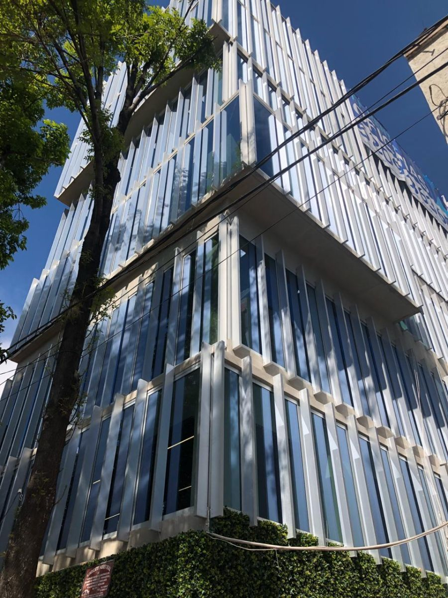 1 de 23: Fachada edificio
