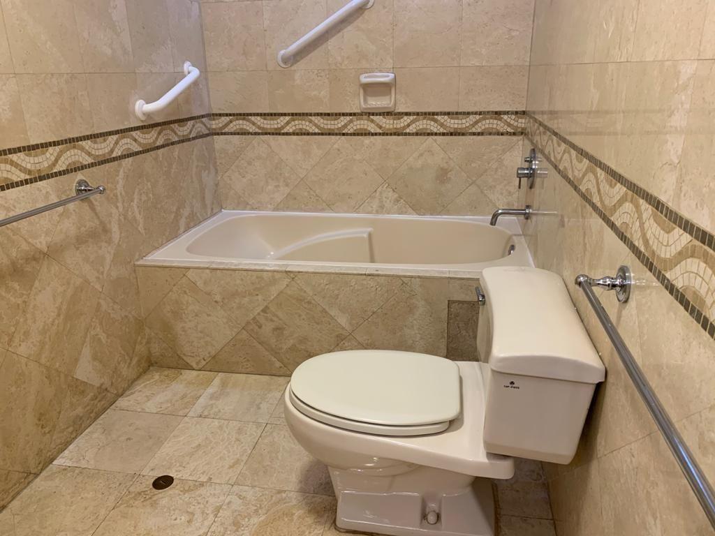 14 de 23: Baño principal