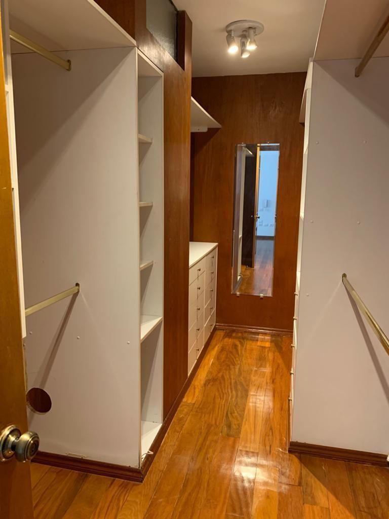 13 de 23: Walk in closet