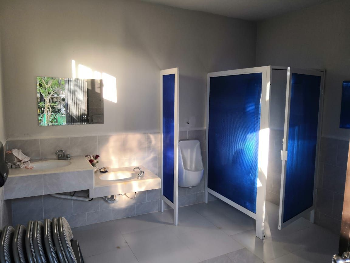 2 de 11: baños  multiples para hombres y mujeres