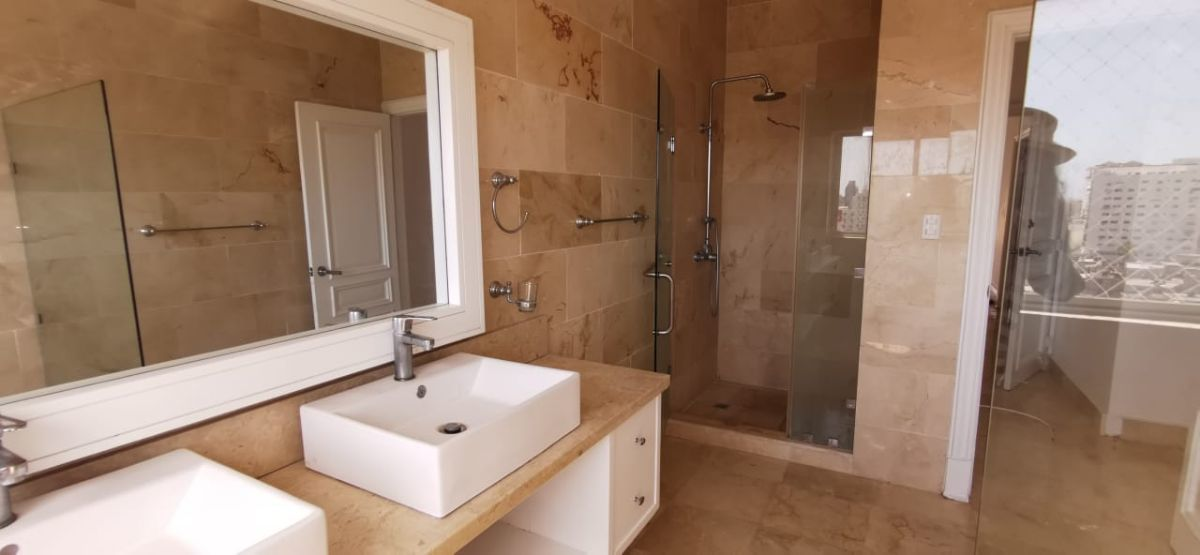 10 de 26: baño  habitación principal
