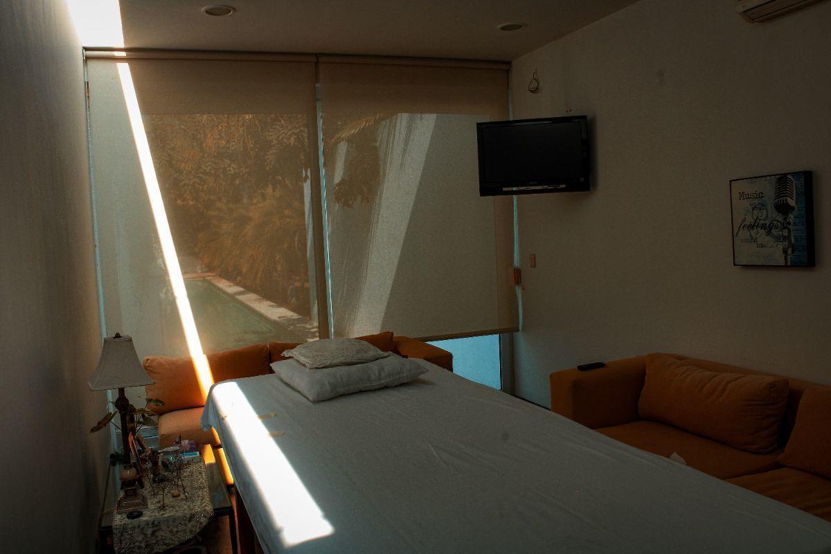 26 de 41: cuarto de masajes