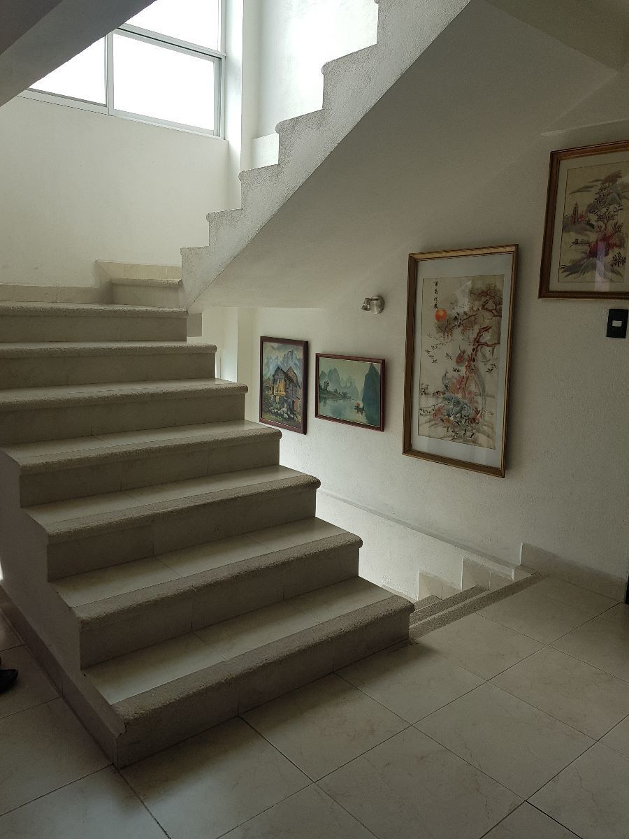 15 de 31: acceso escaleras