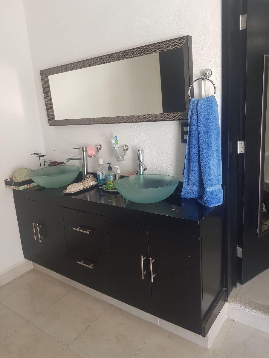 19 de 31: baño recamara principal