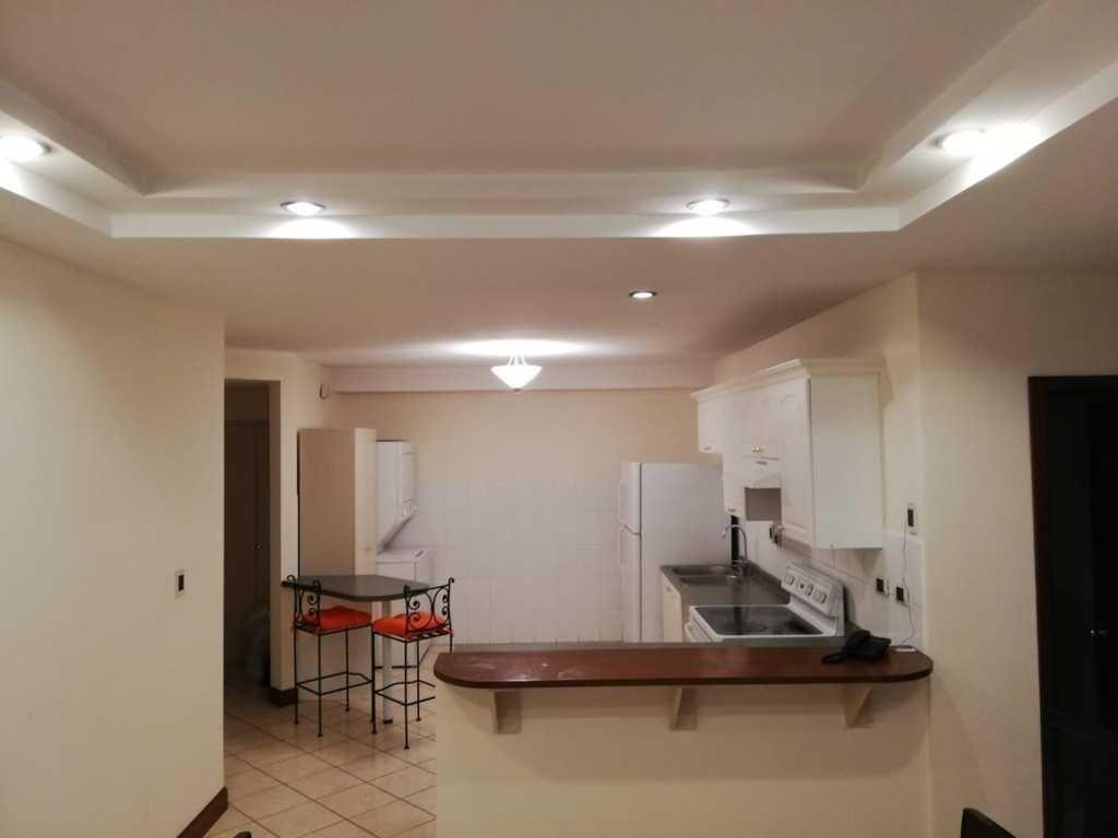 4 de 8: Vista del frente de la cocina