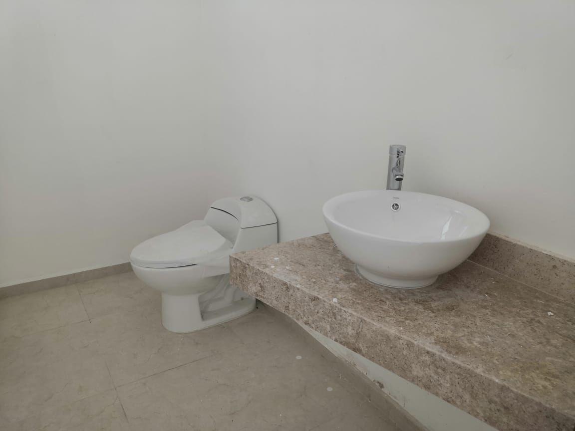 10 de 33: Baño Recámara Principal