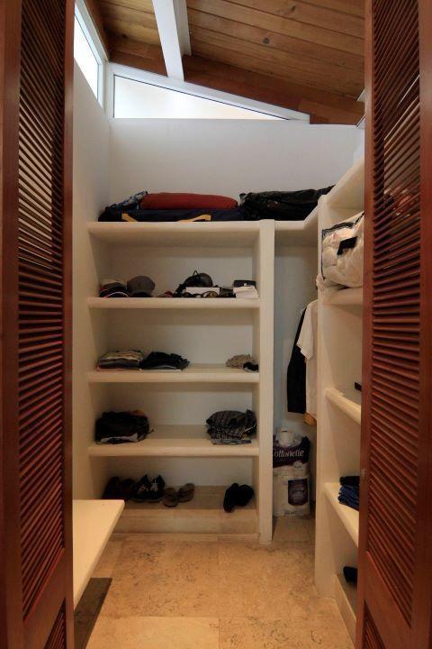 27 de 35: closet