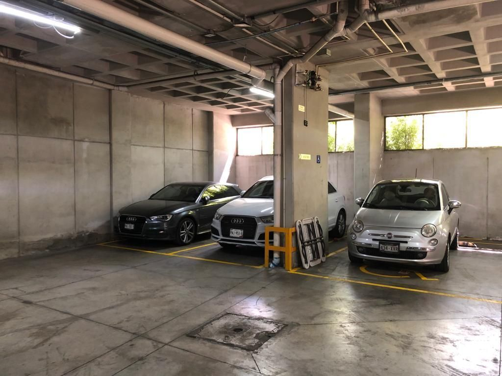 8 de 10: Comodo estacionamiento