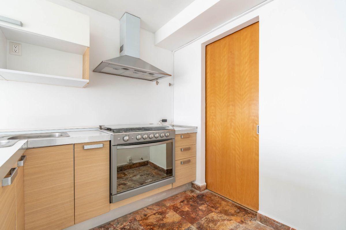 3 de 19: Cocina y área de lavado