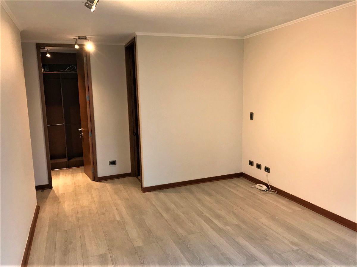 7 de 15: Dormitorio principal en Suite.