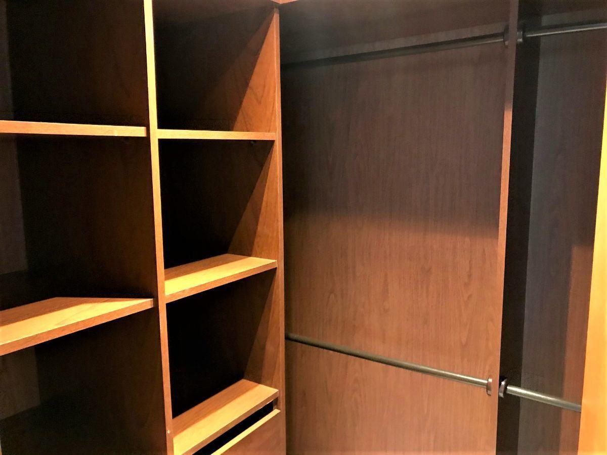 8 de 15: Walk in closet