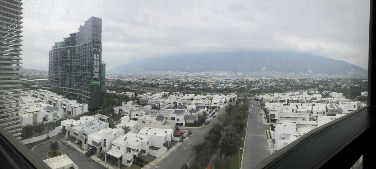 12 de 27: Vista al Cerro de las Mitras